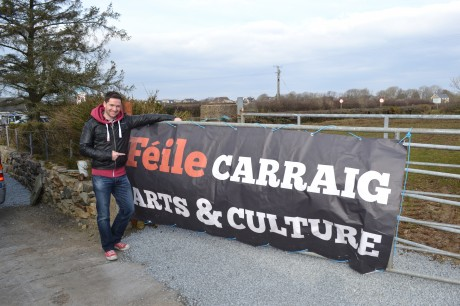 The Voice Of Ireland contestant Shane McLaughlin popped down to entertain the locals.
