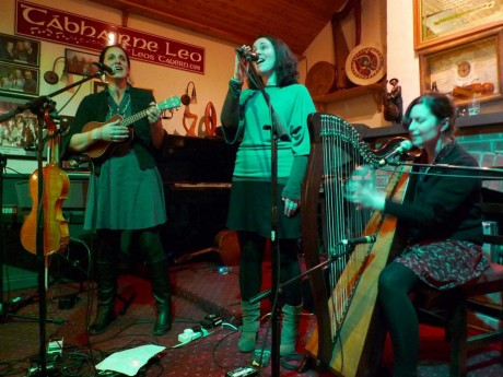 Last month's CluBeo special guest were Malin's fabulous sister trio, The Henry Girls.