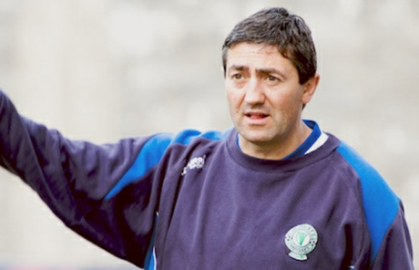 Harps manager Peter Hutton lost out in a shoot-out against his former club, Derry City, tonight.