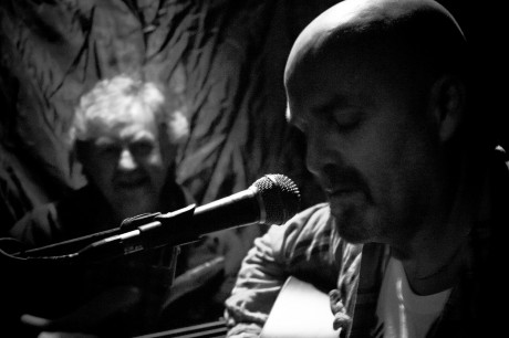 Jonathan Smeaton (right) performing with Billy Robinson The Cottage Live Sessions on Friday night. Photos: AML Optics