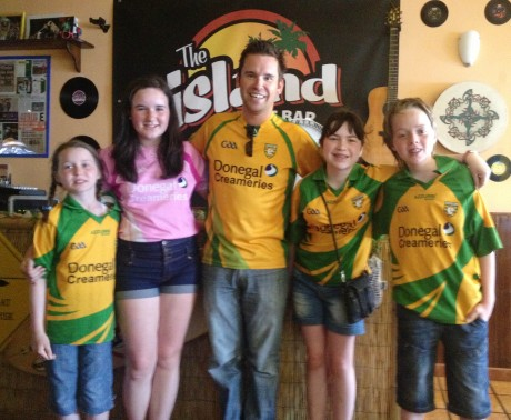 Rory Gallagher pictured with Sarah Moran, Laura Foody, Bridget Moran and Patrick Moran before watching the Donegal v Down Ulster Championship semi final in Rory's Island Bar, Lanzarote, on Sunday last.