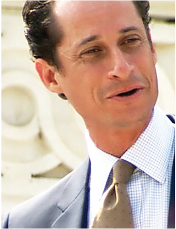 Anthony Weiner makes Twitter comeback.