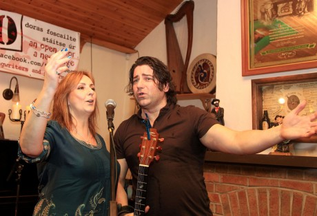 Moya Brennan and Brian Kennedy at Leo's Tavern, Meenaleck, Crolly for Clubeo on Friday night. Photo: Donna McBride