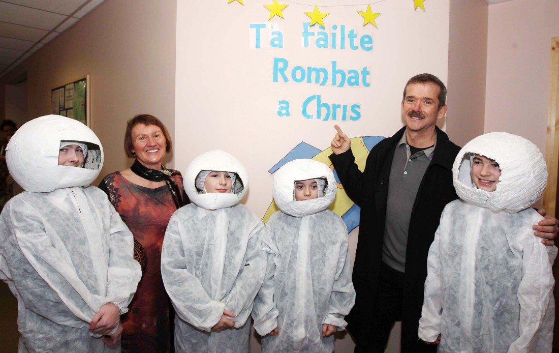 GIANT LEAP FOR TOURISM! ASTRONAUT CHRIS HADFIELD LENDS A HAND TO
