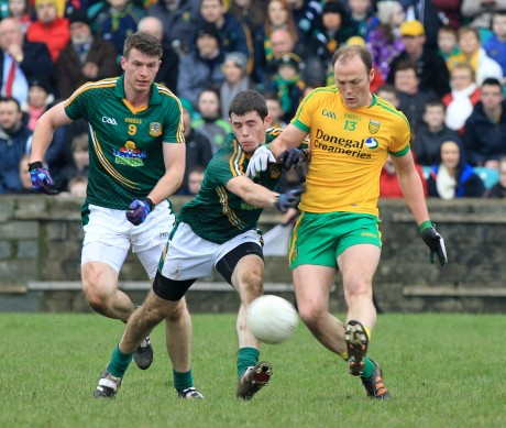 Donal Keogan, Meath challenges Colm McFadden of Donegal.