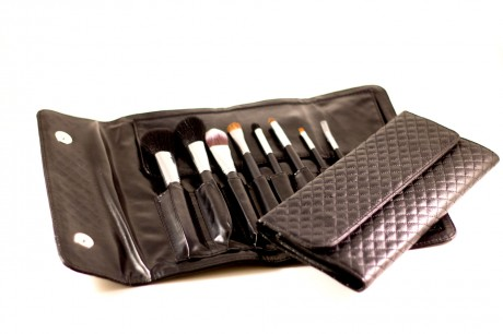 8 Piece Brush Set and Clutch