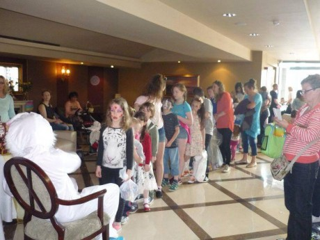 The children line up to receive their Easter eggs donatyed by Kavanagh's SuperValu of Ballybofey.