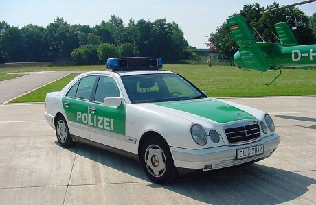 800px-German_Police_car