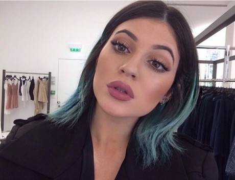 Kylie Jenner shows off her blue hair.