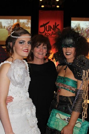 Deele College - Vintage Pearl and Urban Junk with Ms Patrice Gallagher.
