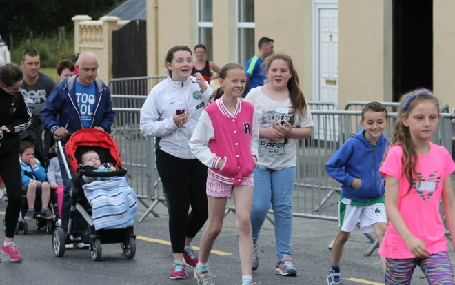 Walkers setting off at the Ballyare 10km race & walk on Friday night.