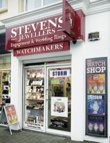 Stevens Jewellers in Letterkenny has presents to suit all this Christmas