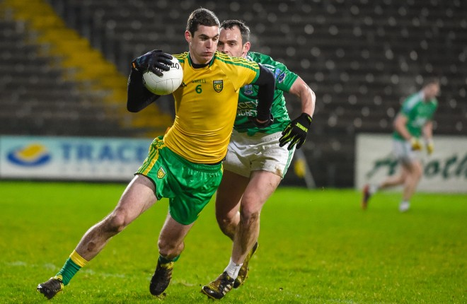 Caolan Ward in possession for Donegal    RMG02