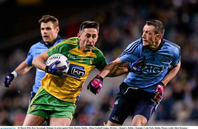 26 March 2016; Rory Kavanagh, Donegal, in action against Denis Bastick, Dublin. Allianz Football League, Division 1, Round 6, Dublin v Donegal, Croke Park, Dublin. Picture credit: Dáire Brennan / SPORTSFILE