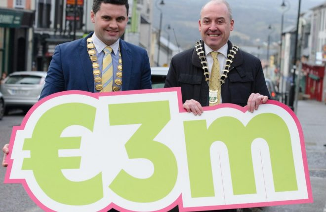Letterkenny Chamber President, Gerard McCormick pictured with Mayor of Letterkenny Municipal District James Pat McDaid celebrating ShopLK Gift Card Sales.