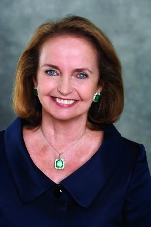 Loretta Brennan Glucksman has been named the recipient of the annual Tip OÕNeill Irish Diaspora Award for 2015.